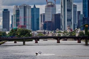 Jet Boot Action Tour - Cruise in der City von Frankfurt