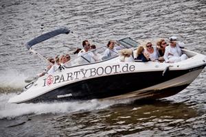 0677ad25bb2d2a Stadtführung Jet Boot Action Tour - Cruise in der City von Frankfurt ...