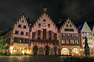 Foto@Altstadt - Zwischen Kirchen und modernen Fachwerkbauten