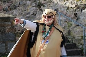 Die Unterprivilegierten - Eine Kostümführung zur Rolle der Frau mit Clara Dott auf Burg Lindenfels