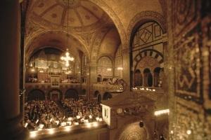 Benefiz-Aktion: Unglaubliche Welt der Orgel - eine Einführung & Begehung mit Susanne Rohn