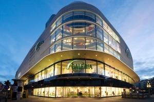 Ein Blick von einer der schönsten Dachterrassen Frankfurts: Galeria Kaufhof Frankfurt