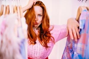 Mit der Expertin im Kleiderschrank - Ihre Outfits neu kombiniert