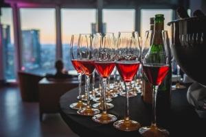 Winemakers Dinner Champagner - Exklusives 4-Gänge-Menü im Jumeirah Frankfurt