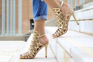 Elegant auf High Heels - Exklusives Experten-Lauftraining für Zuhause