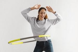Hula-Hoop Online-Kurs für Anfänger - Lerne, den Reifen auf der Hüfte zu halten!