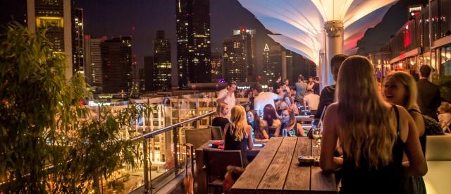 Afterwork-Party über den Dächern Frankfurts